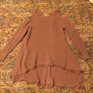 Could shoulder sweater
